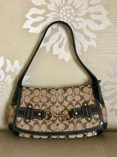 REPRICE! COACH ERGO BELTED SIGNATURE FLAP (was1.250.000)