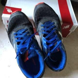 🚚 New Balance track shoes