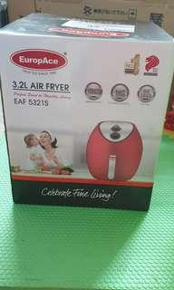 🚚 BNIB Europace 3.2L Air Fryer