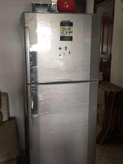 🚚 House moving sale fridge)
