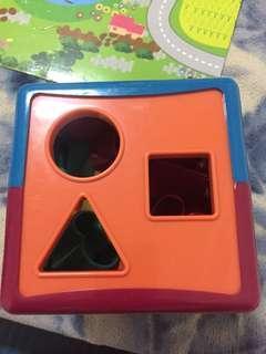 🚚 B.Toys感統玩具配對形狀積木