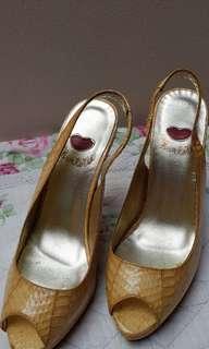 Sendal High heels