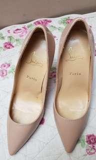 Sepatu high heels Christian Louboutin