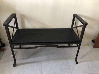 🚚 Designer loft chair