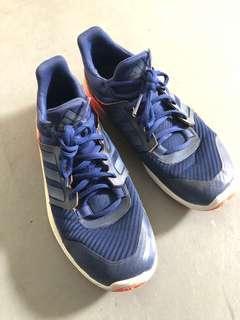 🚚 Adidas running shoe