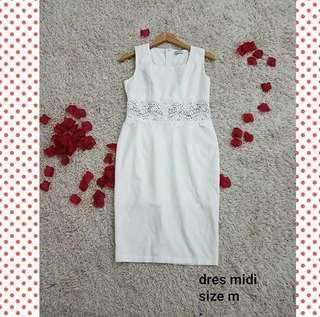 White dress bangkok size m to L ( midi dress cantik / dress party / elegan dress / dress bkk / dress import / dress putih )