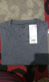 Uniqlo Supima T Shirt Kaos Oblong