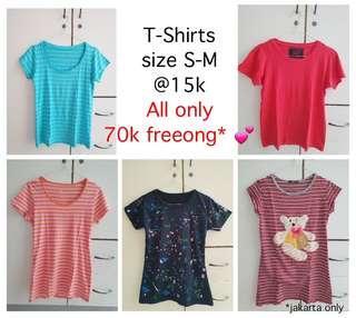 T-shirt / kaos size S-M @15k take all 70k freeong 💕 #CNY2019