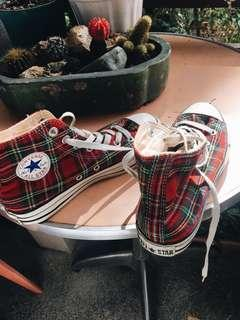 Converse plaid shoes