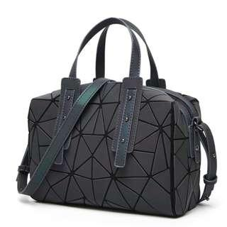 Women Geometric Holographic Luminesk Purses Satchels Bags Reflective Handbags Medium Boston Bag