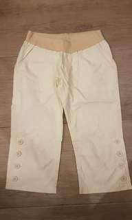 Meternity or plus size capri pants, size L