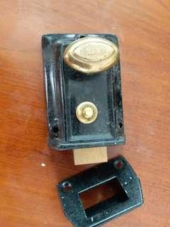 鉄錨antique rim door lock