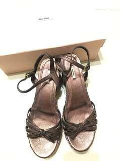 🚚 Miumiu 編織涼鞋 九成新