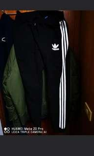 🚚 Adidas 經典正版三線縮口褲-XL