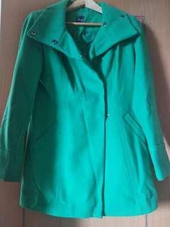 overcoat wanita hijau