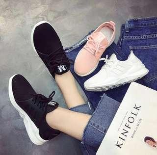 Korean sneakers (black)