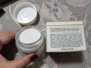 Cream Pelembab Revlon