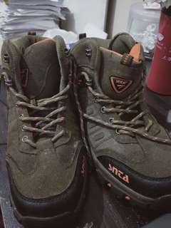 Hiking shoes SNTA