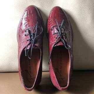 全新韓國漆皮鞋size 35 免費攞