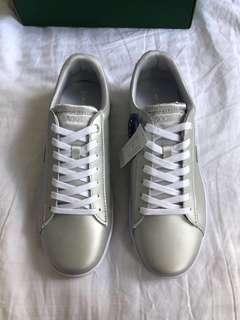 Lacoste carnaby sneakers size 42 BNWT