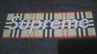 Kaos SUPREME - BURBERRY