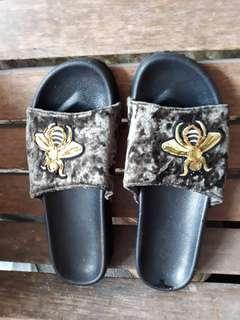 PreLoved Slidder Slippers (CLN Brand)