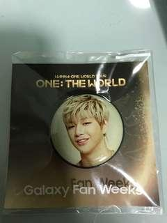 kang daniel pop socket