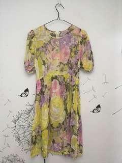 Flowery yellow dress