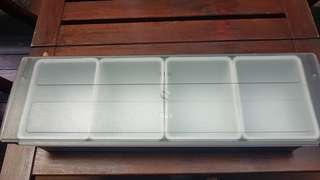 Containers 4 compartments