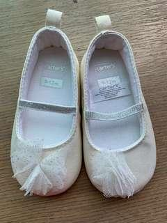 🚚 Cater Mary Jane Baby Girl Shoes 9-12 months