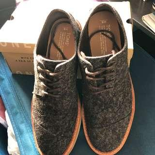 TOMS  - Brogue 皮鞋款布鞋 99% new