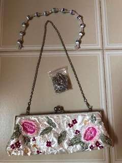 🚚 Woman fashion sling bag