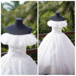 Offshoulder wedding gown Rent/Buy