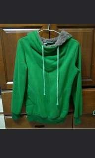 綠色厚棉帽T上衣 #一百均價