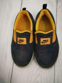 Nike Authentic Kids Shoes (preloved)