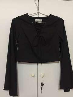 🚚 Black Crop Pullover