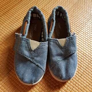 Authentic TOMS denim slip ons shoes sz us8 eur24.5 15cm