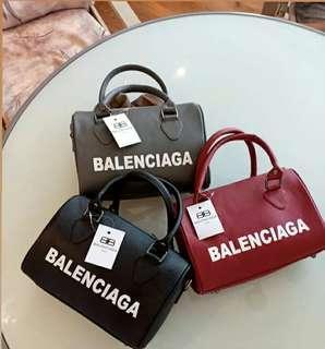 Balenciaga sped