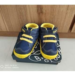 BNIB - Oshkosh Original Boy Shoe @ cheap
