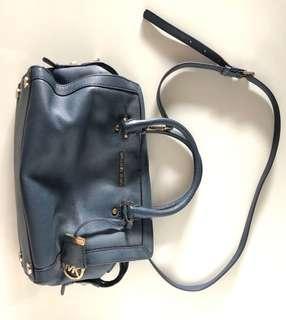 🚚 Michael Kors blue handbag with sling and handled