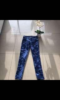 Blue tie die skinny leg jeans
