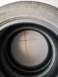 225 50 17  TYRE 2nd TOYO