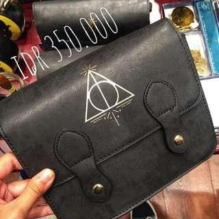 TYPO - Harry Potter Deathly Hallows Satchel Bag