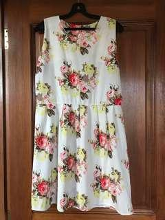 🚚 Vintage-style BNwoT Sweet Girly Pink n Yellow Rose Minidress 6-8