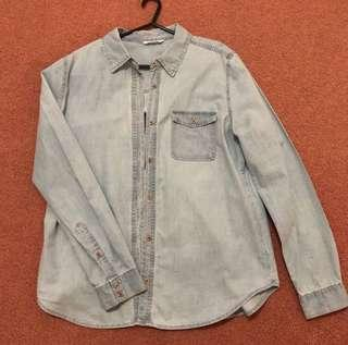 JayJays Blue/White Wash Button Up Top