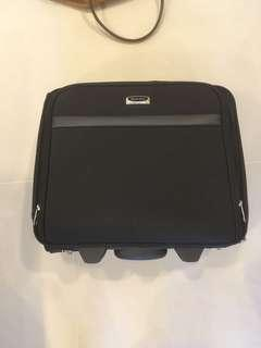 Business carry on luggage / roller