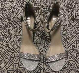 Diamonte / Diamond / Glitter Heels - Size 8 (fits 9 better)
