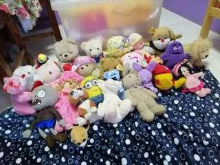 Stuffed toys (23 pcs)