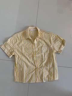 🚚 Zara Striped Button up shirt