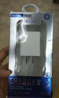 🚚 三孔 USB 豆腐頭